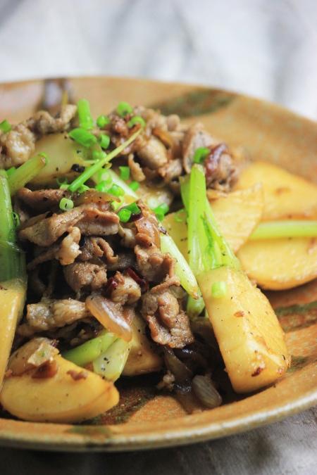 豚肉とかぶの生姜炒め ~ このレシピは糖質10g以下です!