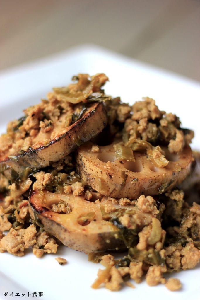 この豚肉と高菜漬けのオイスター炒めは糖質3g以下です。このレシピを参考に料理を作れば、必要以上に糖質量をオーバーしてしまうことはありませんし、安心して糖質制限ダイエットを続けることが出来ます!