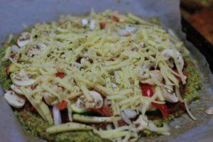このブロッコリーでヘルシーピザ生地は糖質5g以下です。このレシピを参考に料理を作れば、必要以上に糖質量をオーバーしてしまうことはありませんし、安心して糖質制限ダイエットを続けることが出来ます!
