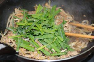 ダイエット食事・この豚肉ともやし炒めはは糖質10g以下です。このレシピを参考に料理を作れば、必要以上に糖質量をオーバーしてしまうことはありませんし、安心して糖質制限ダイエットを続けることが出来ます!