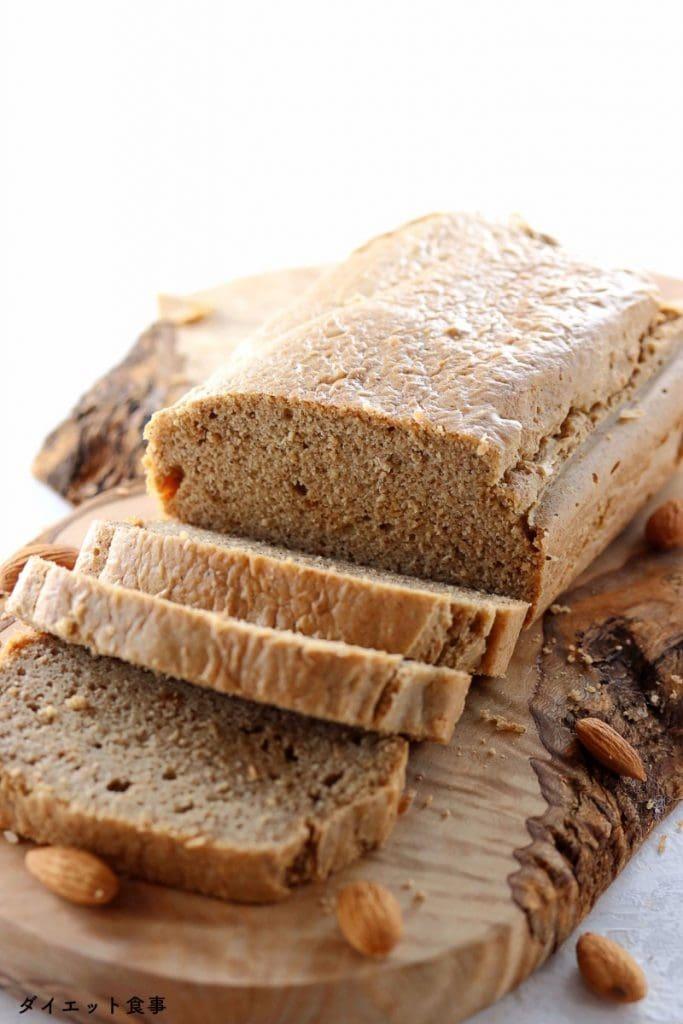 低糖質パンのレシピ・うちのダイエット食事・糖質オフパンはアーモンドバターで作られた。