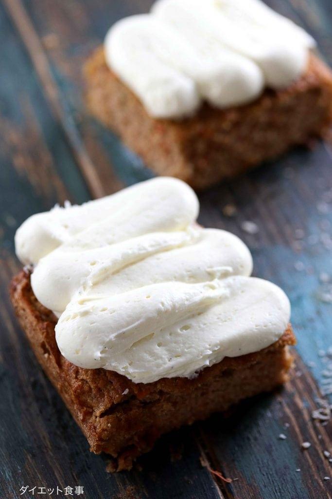 クリームチーズフロスティング・うちのダイエット食事・配管の袋に入れたクリームチーズフロスティングの作り方。