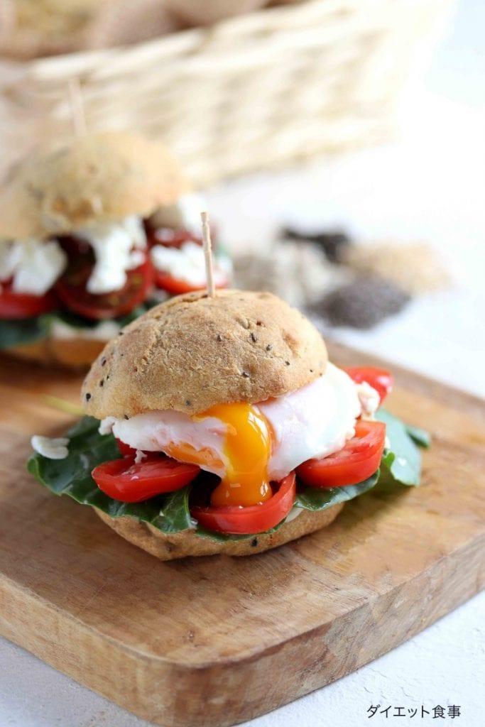 糖質制限丸パンのレシピ・うちのダイエット食事・糖質制限パンで美味しいサンドが作れます。